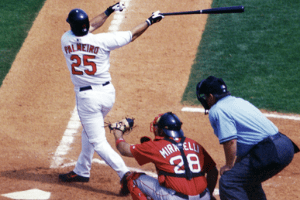 Rafael Paleiro swinging