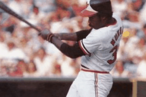 Eddie Murray Swinging
